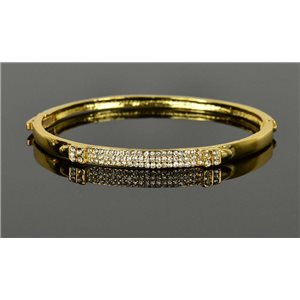 Gold colored metal bracelet Chic Collection set with Rhinestones D55mm clip clasp 76682