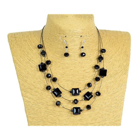New Collection 2019-2020 Adornment Necklace 3 rows of Pearls in Suspension L44-48cm 77191